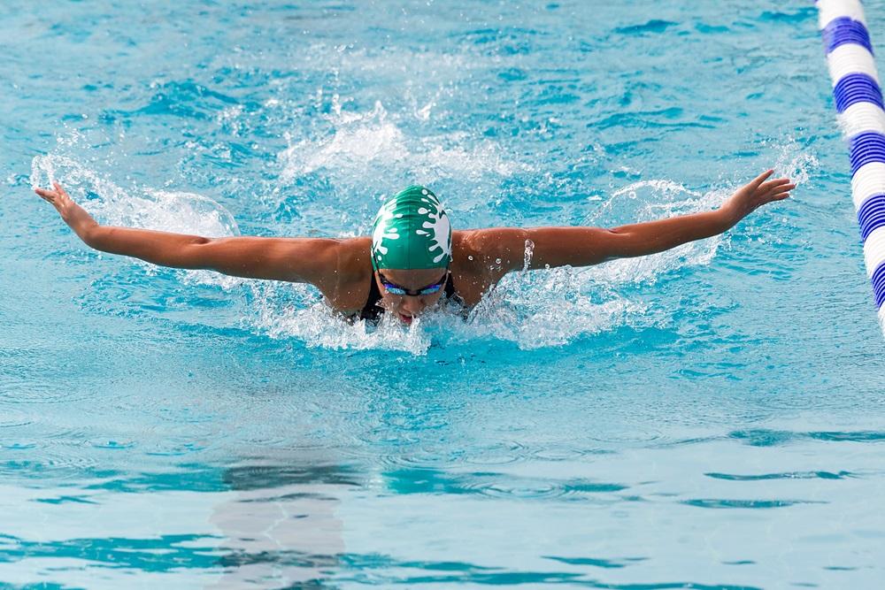 lap swimming core strength