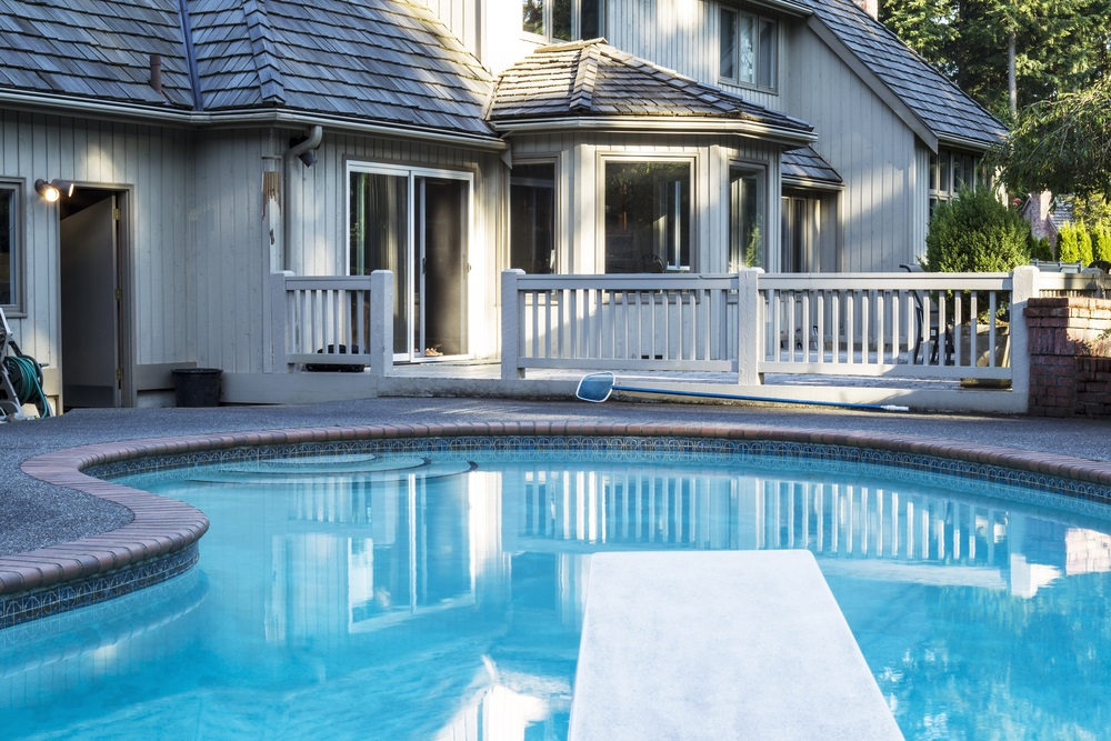 How To Use Fewer Chemicals To Clean Your Pool