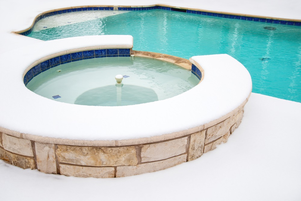 protect hot tub and pool from freezing