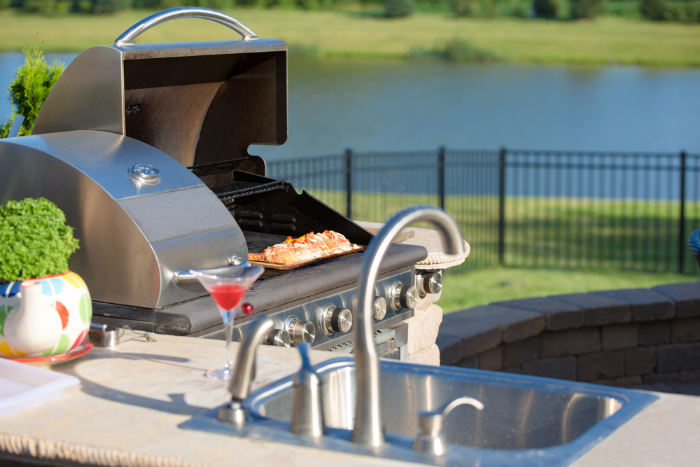 Is It Time To Have An Outdoor Poolside Kitchen?