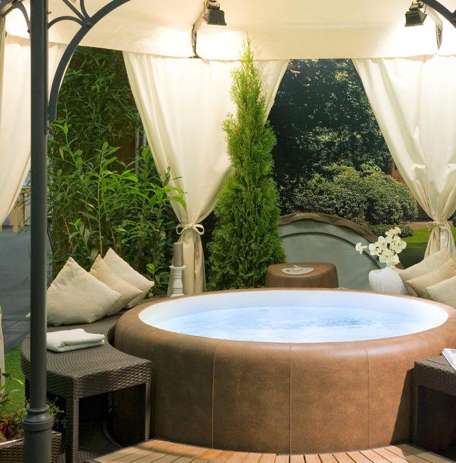 Luxury Backyard Poolside Amenities To Consider