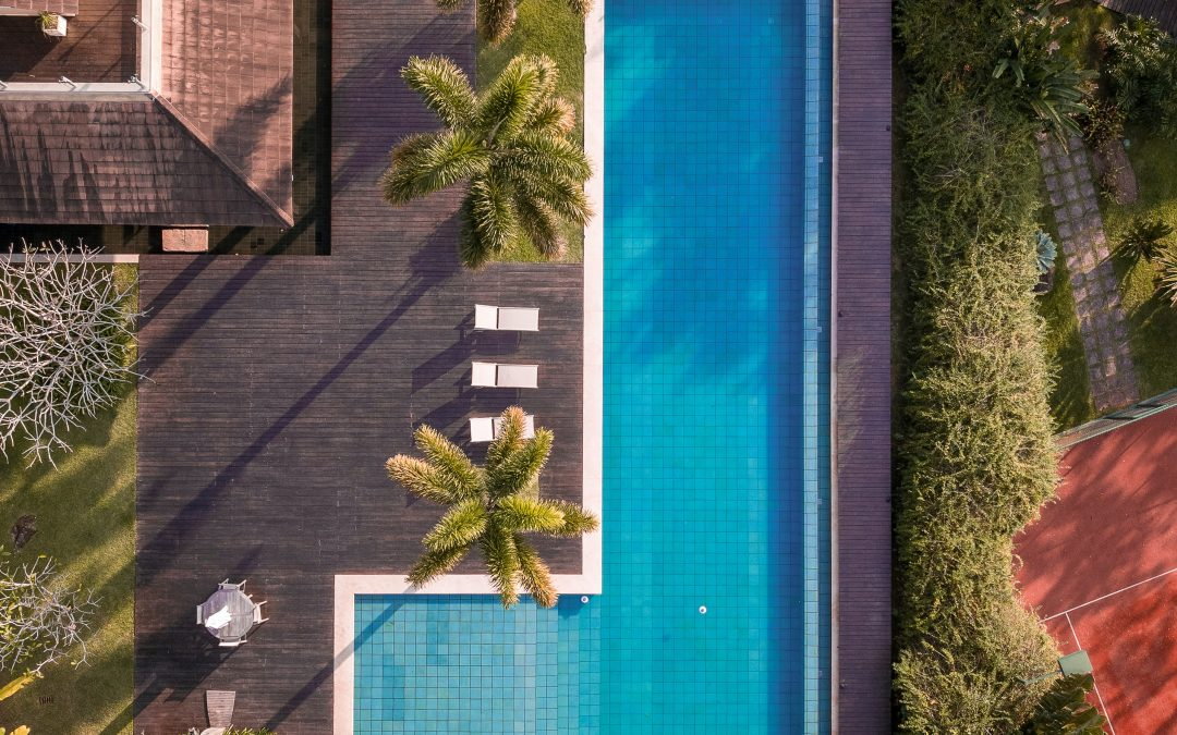 The Best Ways To Landscape Poolside