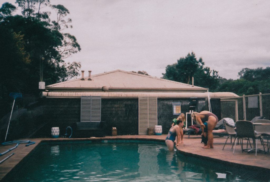 Why You Should Build Pool, Deck And Outdoor Living Space Together
